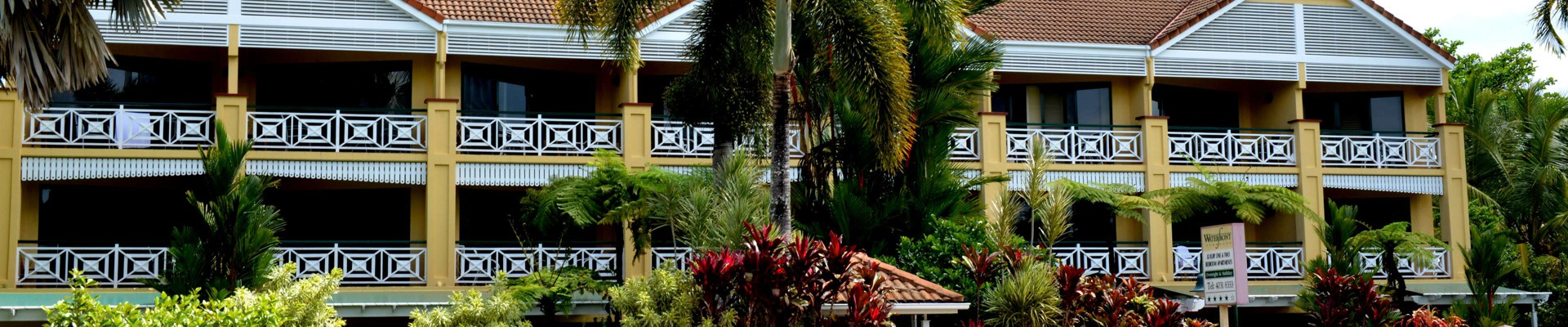 waterfront accommodation in cairns city